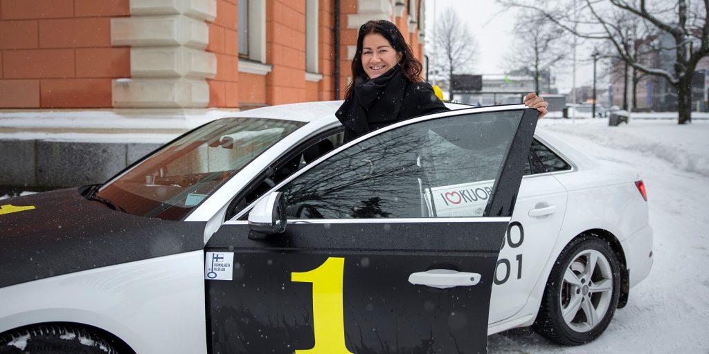 TaksiYkkoset-Heidi-Lampinen_1-2021_Mirka-Happonen_pk_web