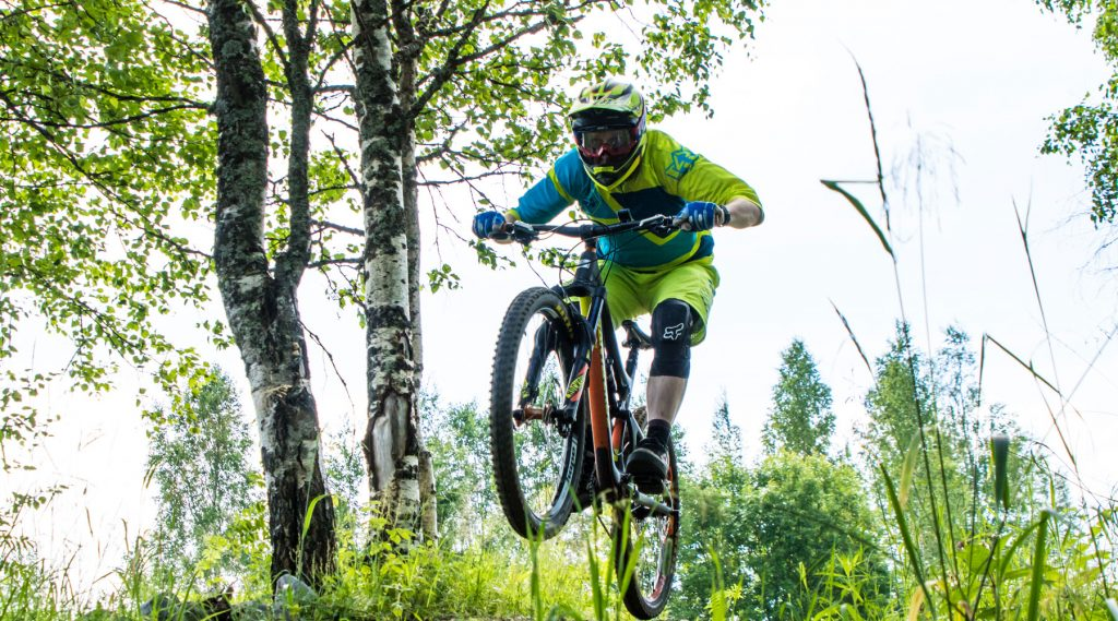Tahko_Downhill-biking_KTM_web